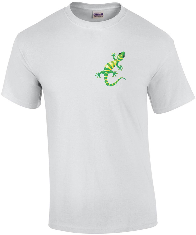 Gecko crawling on shirt - gecko t-shirt